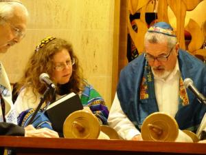 Photo courtesy of Simon Rosenblatt. Being called up to the Torah for an aliyah is amazing, but it is time for me to read from the Torah again.
