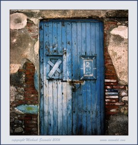 blue_boat_house_door